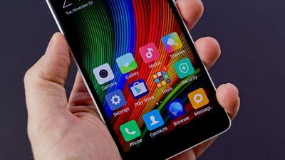 Konon dengan harga yg lebih terjnilaiu  Xiaomi Mi4c: Ponsel cerdas Android Setara Flagship?